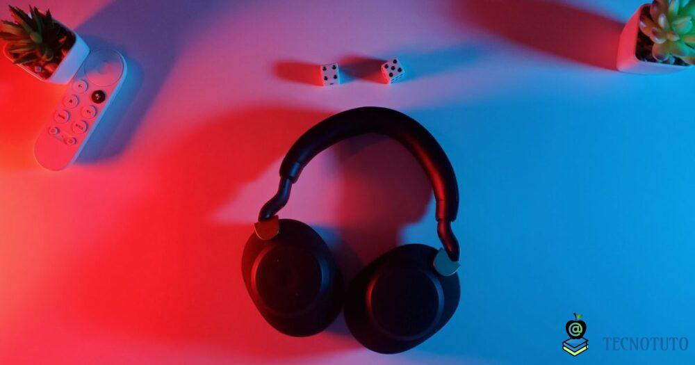 4 Best Over Ear Headphones for Working Out
